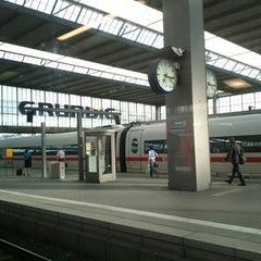 Photo taken at München Hauptbahnhof by Florian E. on 6/19/2013