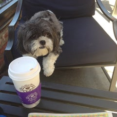 Photo taken at The Coffee Bean & Tea Leaf® by R C. on 6/27/2014