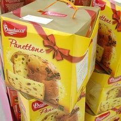 Photo taken at Extra Supermercado by Luiz Cláudio L. on 10/28/2013