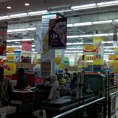 Photo taken at Carrefour by Yohanes C. on 1/25/2014
