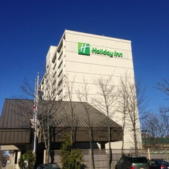 Photo taken at Holiday Inn Portland-By The Bay by Nik A. on 4/17/2013