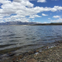 Photo taken at Crowley Lake by Lindsey 🍀 R. on 6/7/2015