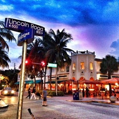 Photo taken at Lincoln Road Mall by Olivier C. on 9/25/2013