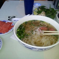 Photo taken at Pho Duy 6 by NiCk on 10/11/2012