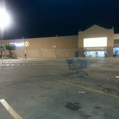 Photo taken at Walmart Supercenter by hanatu k. on 11/8/2012