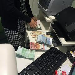 Photo taken at Garanti Bankası by kayhan t. on 1/16/2015