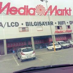 Photo taken at Media Markt by Okan Ç. on 10/23/2012