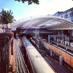 Photo taken at Farringdon London Underground Station by Andy B. on 7/18/2013