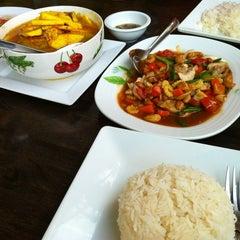Photo taken at ร้านอาหารบังฝรั่ง (Bang Farang Restaurant) by Sukwa M. on 6/8/2013