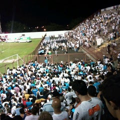 Foto tirada no(a) Estádio Romildo Vitor Gomes Ferreira por Rafael V. em 5/5/2013