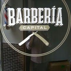 Foto tomada en Barbería Capital (Roma) por Norman M. el 8/8/2013