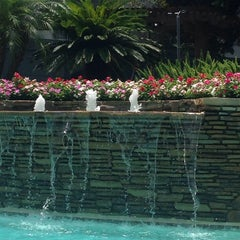Photo taken at Camden Midtown Pool by Betsy L. on 7/11/2014