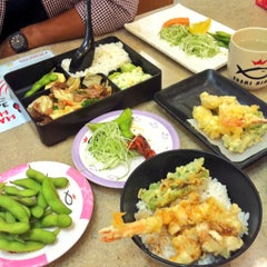 Photo taken at Sushi King by Biee R. on 9/22/2015