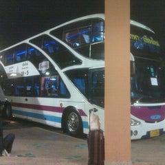 Photo taken at สถานีขนส่งผู้โดยสารเชียงใหม่ แห่งที่ 2 (อาเขต) Chiangmai Bus Terminal 2 (Arcade) by Sergey G. on 1/24/2013