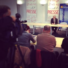 Photo taken at Club De La Presse Metz Lorraine by Dupuis-Remond J. on 12/15/2014