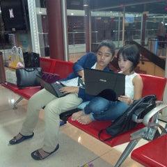 Photo taken at Executive Lounge Soekarno-Hatta International Airport by Roza Keumala Sari on 7/13/2013
