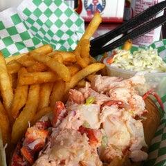 Photo taken at Yankee Lobster by DyShaun M. on 10/20/2012