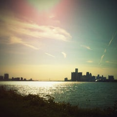 Photo taken at Belle Isle Park by Olli S. on 9/14/2012
