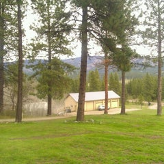 Photo taken at Huntley Lodge by Mary H. on 4/19/2013