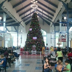 Photo taken at Las Catalinas Mall by Hector S. on 12/8/2012