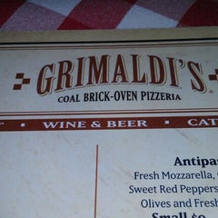 Photo taken at Grimaldi's Pizzeria by Danny R. on 1/2/2013