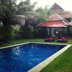 Photo taken at Palm Grove Resort Pattaya by Yana L. on 5/19/2013