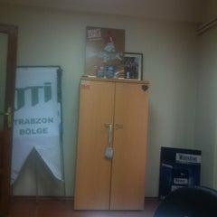 Photo taken at JTI Trabzon Bölge Ofisi by Yusuf T. on 8/5/2013