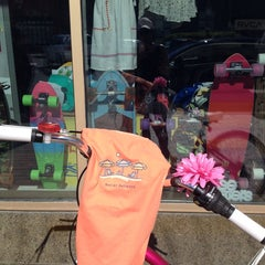 Photo taken at Aloha Grove Surf Shop by sutah r. on 6/21/2014