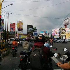 Photo taken at Perempatan Monjali by Erlangga W. on 12/8/2014
