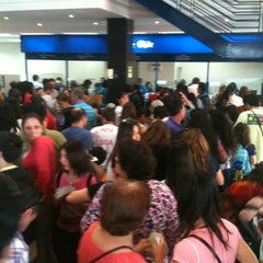 Das Foto wurde bei Banco De Chile von Leo M. am 12/1/2012 aufgenommen