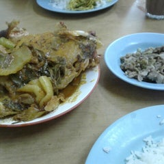 Photo taken at Nasi Padang Erwina, Jln Kg Dalam, K. Trg by Akmariza A. on 8/27/2013