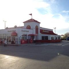 Photo taken at McDonald's by Dan W. on 11/24/2012