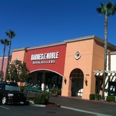 Photo taken at Barnes & Noble by Josie G. on 11/16/2012