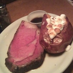 Photo taken at Texas Roadhouse by Paula H. on 9/19/2012