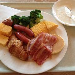 Photo taken at ホテルモントレ赤坂 (Hotel Monterey Akasaka) by Charlie G. on 6/21/2013