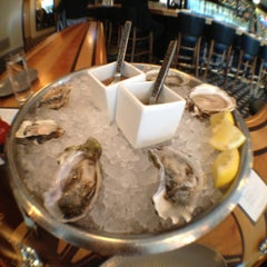 Photo taken at GT Fish and Oyster by Ricardo B. on 10/27/2012