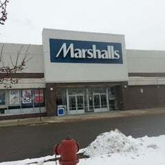 Photo taken at Marshalls by Dona L. on 1/31/2014