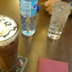 Photo taken at Black Canyon Coffee by Uya A. on 6/21/2015