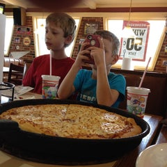 Photo taken at Pizza Hut by Steve E. on 10/6/2013