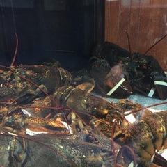 Photo taken at Red Lobster by Michelle D. on 2/7/2015