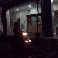 Photo taken at Wijaya Toyota-Dago by Susianne S. on 4/24/2013