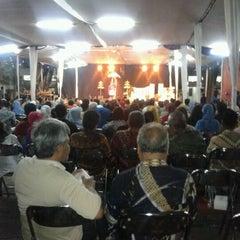 Photo taken at Fakultas Ekonomika dan Bisnis by Dhanang M. on 9/18/2012