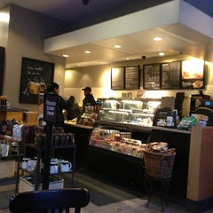 Photo taken at Starbucks by Daouna J. on 2/10/2013