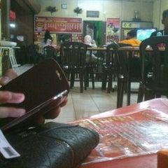 Photo taken at Restoran Vicchuda Meru Indah by Shahrul H. on 6/1/2013