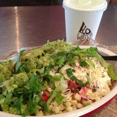 Photo taken at Chipotle Mexican Grill by Arcelyn B. on 7/1/2013