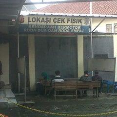 Photo taken at Samsat Bandung Barat by Verry H. on 5/11/2013