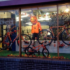 Photo taken at Missing Link Bicycle Cooperative by Sean R. on 10/3/2015