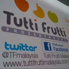 Photo taken at Tutti Frutti by Fatt C. on 2/9/2014