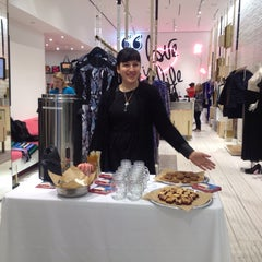 Photo taken at DVF Meatpacking by Wilson on 12/14/2013
