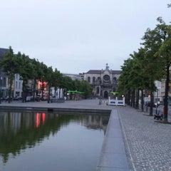Photo taken at Sint-Katelijne / Sainte-Catherine (MIVB / STIB) by Mario M. on 5/14/2013